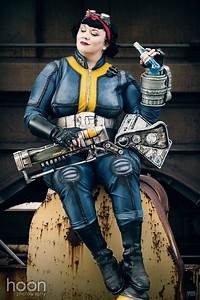 Fallout Lone Wanderer Cosplay By Henchwench