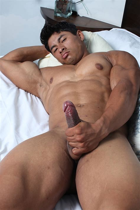muscle hunks archives free naked men gay porn
