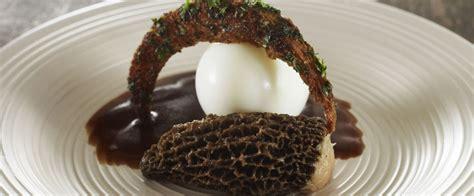 cuisiner des morilles recette d œuf poché façon meurette et morilles farcies