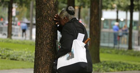 anniversary ceremony memorial trump trade pa center york victims tributes marks site 911 settembre today ground zero sept mark dead