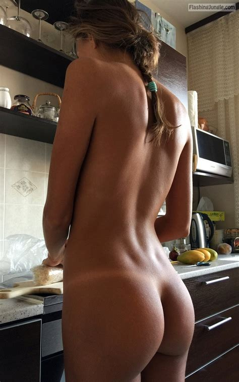 Naked Teen Girlfriend In The Kitchen Ass Flash Pics Teen