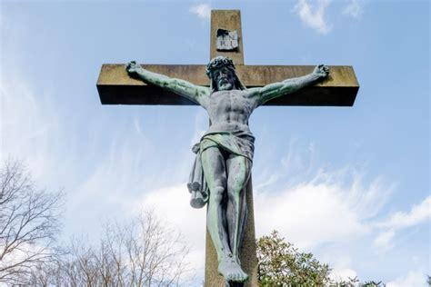 jesus  kreuz junge freiheit