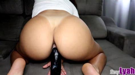 Big Ass Babe Twerking And Bouncing On Big Black Dildo Until