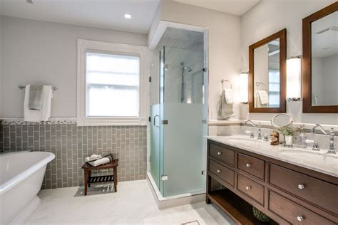 What Makes The Traditional Bathrooms? Girls Bedroom Lighting Bathroom Track Ideas Gold Light Fixtures Kitchen With Oak Cabinets Best Lights B&q Uk Landscape Well Switch For Fan And