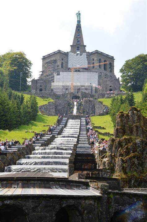 Hier ist viel in bewegung. Hercules monument, Kassel - Wikidata