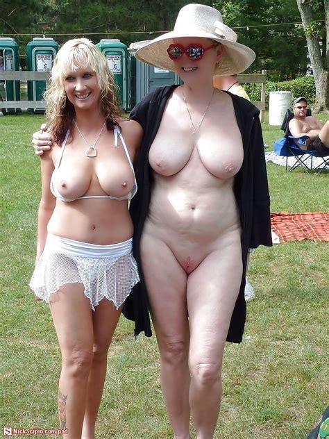 MILF and GrandMILF nude in public - Picture of the Day - NickScipio.com