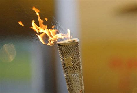 What Does The Torch Lighting Symbolize Democraciaejustica