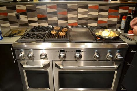 top kitchen remodeling trends   latest  kitchen trends