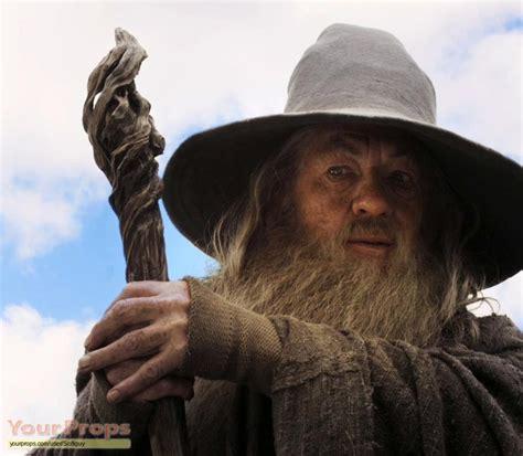 hobbit  unexpected journey hobbit gandalf staff