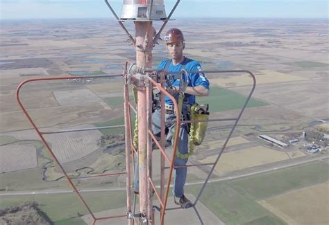 changing a lightbulb in a tv tower totallycoolpix
