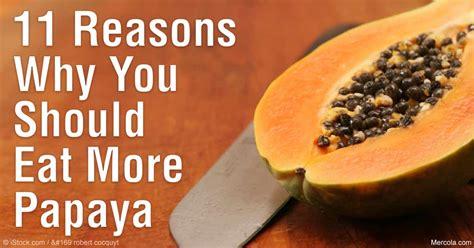 how to eat a papaya 11 proven papaya benefits