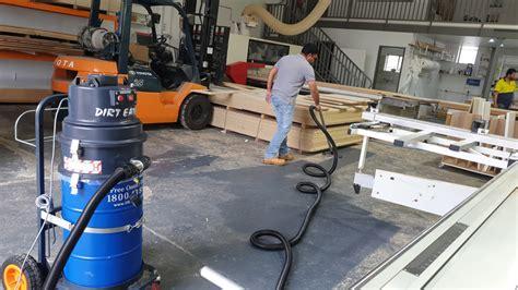 cyclonic industrial vacuum cleaner construction dust wet