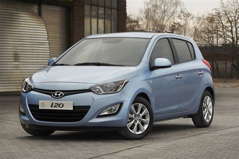 Review Hyundai I20 by Hyundai I20 Review Photos Caradvice