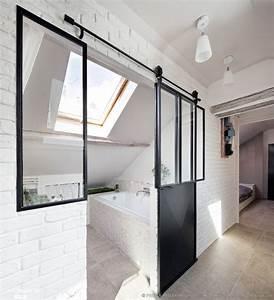 les 25 meilleures idees concernant appartements studio sur With porte de douche coulissante avec deco salle de bain rouge