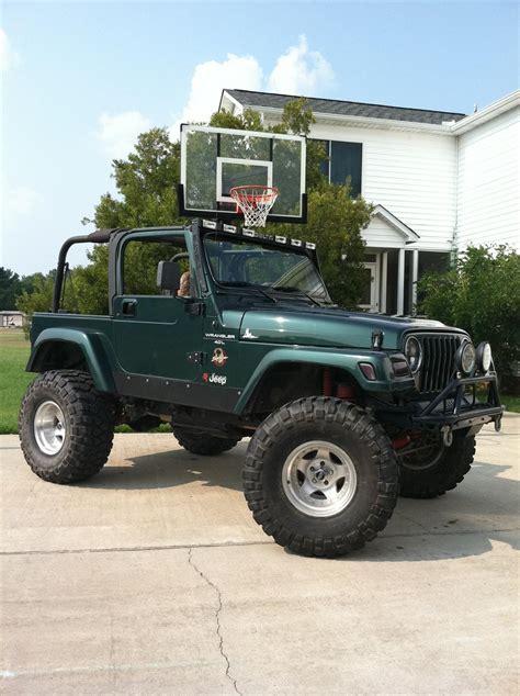 rustyz  jeep wranglersahara sport utility  specs