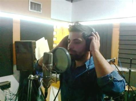 Άγγελος Ανδρεάτος Τι ετοιμάζει ο νεαρός τραγουδιστής