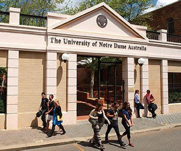university  notre dame reviews  students uni reviews