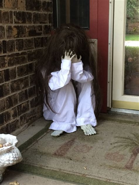 scary decorations 33 best scary halloween decorations ideas pictures
