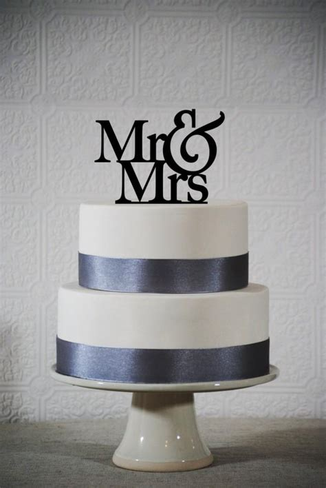 mr and mrs wedding cake topper classic mr and mrs wedding