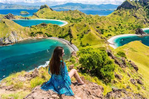 turis asing lirik pulau komodo sebagai jurassic park