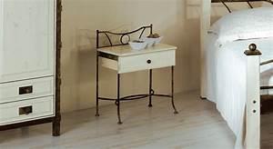 Nachttisch Metall Weiß : schubladen nachttisch aus eichenholz und metall lavia ~ Markanthonyermac.com Haus und Dekorationen