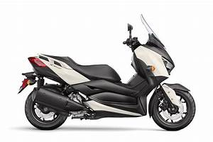 Scooter Yamaha 125 Xmax : 2018 yamaha xmax review total motorcycle ~ Medecine-chirurgie-esthetiques.com Avis de Voitures