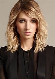 Frisuren Mittellange Haare : frisuren f r mittellange haare trend stufenschnitt f r lange haare ~ Frokenaadalensverden.com Haus und Dekorationen