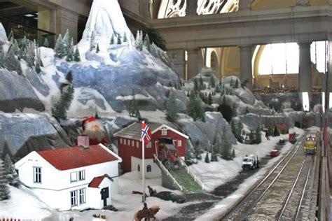 christmas model train displays  washington dc