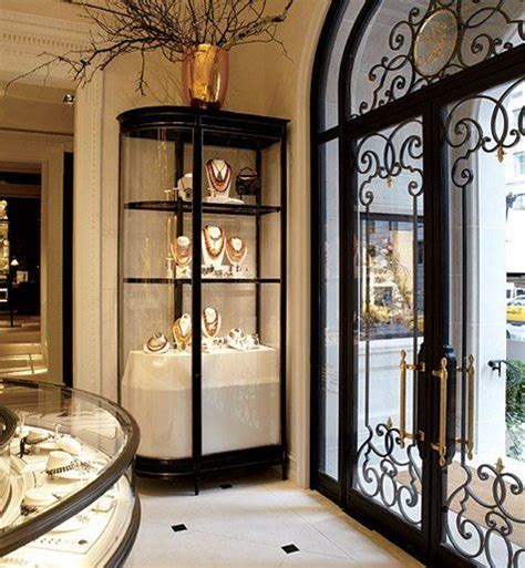 Ralph's coffee shop — double dipping. Ralph Lauren's New York Flagship Store | Versace home, Ralph lauren new york, Home building design