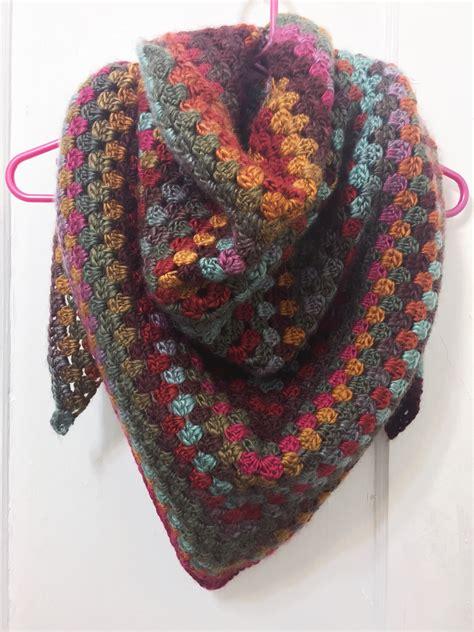 quick simple granny shawl   average crochet