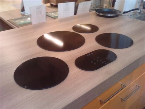 cuisines pas ch鑽es table de cuisine originale maison design modanes com