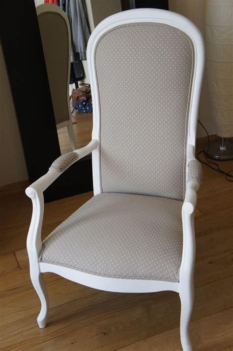 maison du monde siege fauteuil voltaire gris pois blancs fauteuil voltaire