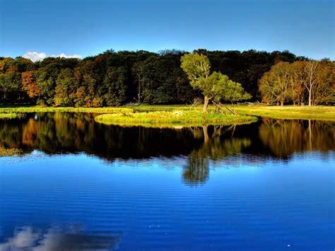 wallpaper pemandangan danau biru  keren terbaru