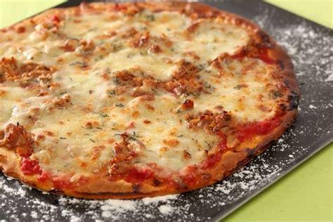 rouleau de cuisine recette de pizza au thon et à la mozzarella facile et rapide