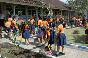 Cleaning Up the School gounds (ENP) « Global Children Care