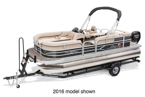 Used Pontoon Boats Ct by 2017 Used Sun Tracker Party Barge 20 Dlx Pontoon Boat For