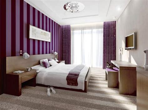 Bedroom Décor In Purple