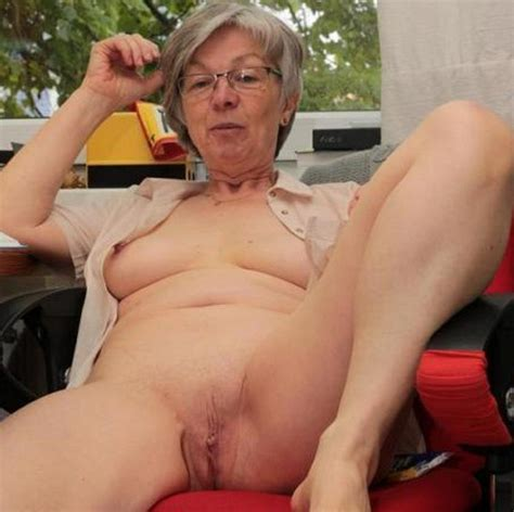 xpics me mature nude amateur grannies naked and fucking