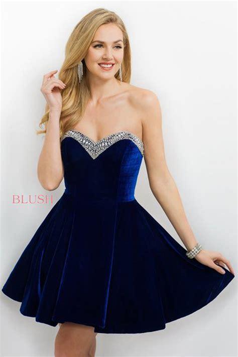 blush  sweetheart neckline velvet short dress