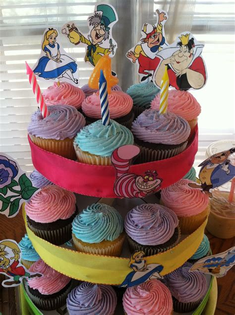Alice in wonderland cupcake recipe. Alice in wonderland cupcake tree   Alice in wonderland ...