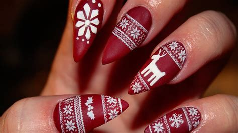Top 20 Christmas Nail Art Ideas And Designs For 2016