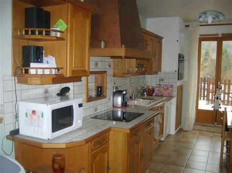 moderniser une cuisine rustique relooker une cuisine rustique maison design bahbe com