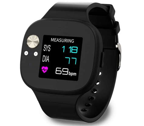 ASUS VivoWatch BP monitors your blood pressure from the wrist