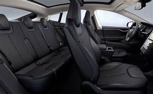 Tesla Limo Service Toronto | Tesla Model S Black | Yorkville Limousine