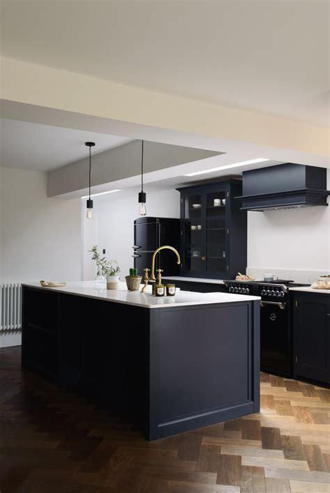 cool  contemporary shaker kitchen design  devol devol real shaker kitchens