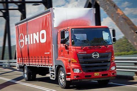 Foto Teruk Hino by Creating The New Hino 500 Series Wide Cab