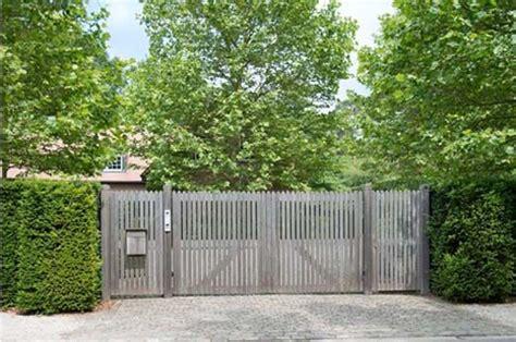 houten poort oprit houten poorten poorten oprit en tuin poorten