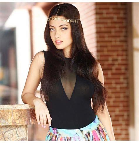riya sen hd picturesphotosimageswallpapers actress world