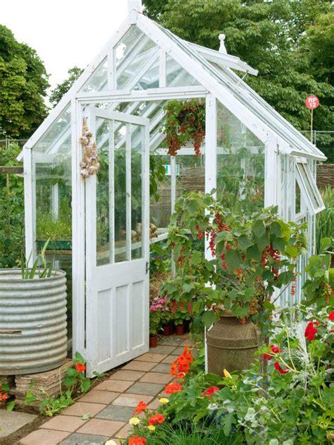 25 Simple Backyard Landscaping Ideas  Interior Design