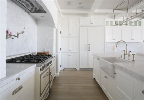 benjamin moore decorators white cabinets california beach house with crisp white coastal interiors 306 | Benjamin Moore Decorators White OC 149. Benjamin Moore Decorators White OC 149. Benjamin Moore Decorators White OC 149 BenjaminMooreDecoratorsWhiteOC149